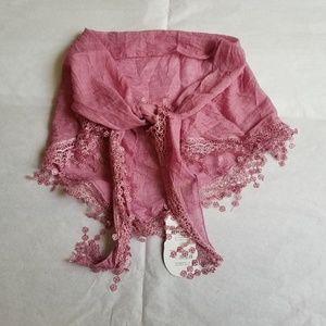 NWT Triangle Scarf Shawl in Pink